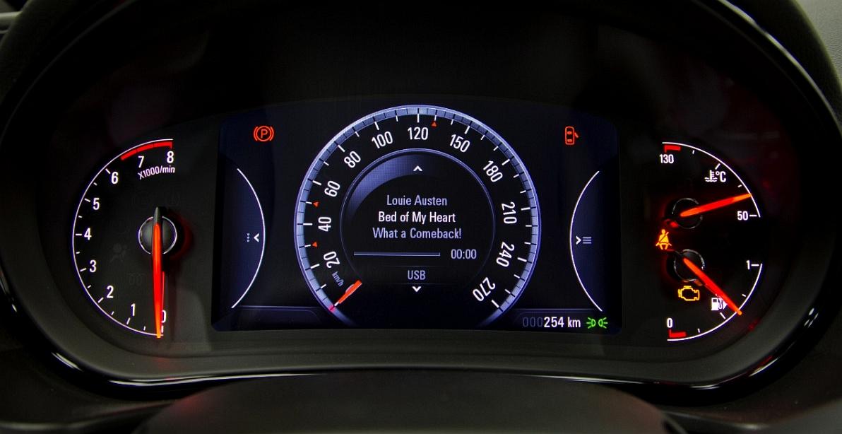Porady serwisowe, opinie Dixi: Czerwone trójkątne znaki na prędkościomierzu – Co oznaczają?