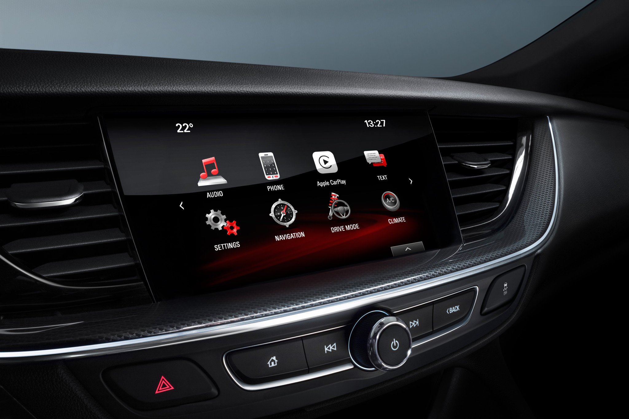 Best connections and top entertainment: The IntelliLink infotainment systems of the new Opel Insignia Sports Tourer – which are compatible with Apple CarPlay and Android Auto – can be controlled via the large color touchscreen.