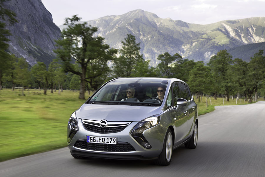Nowy Opel Zafira C Dixi Car