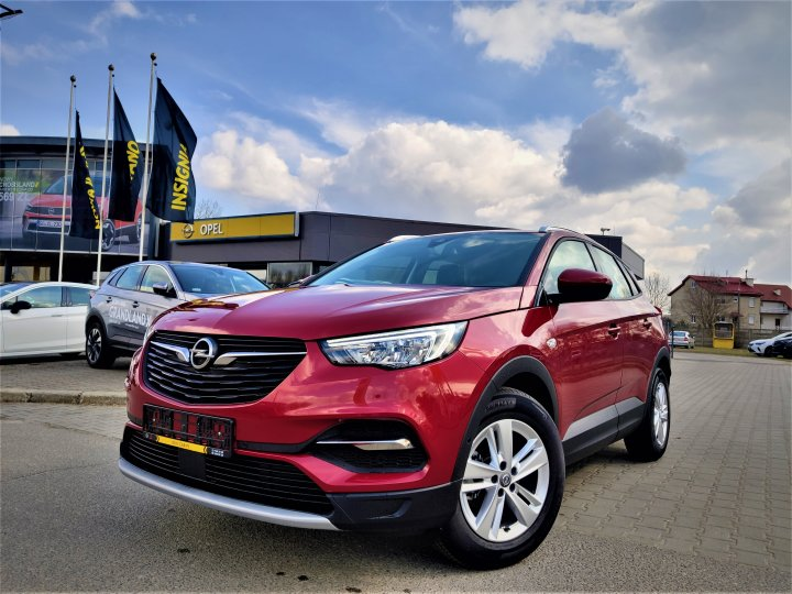 Opel Grandland X 1.2T 130KM AT6