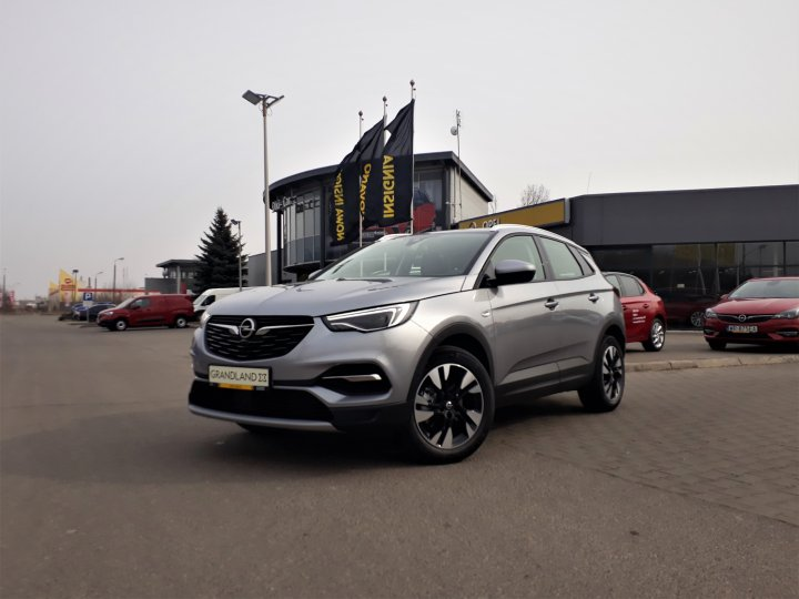 Opel Grandland 1,6 180KM AT