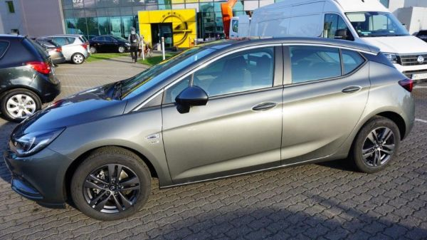 Nowa Astra V 5dr 120 Lat 1.4 XFT 150KM AT6 S&S