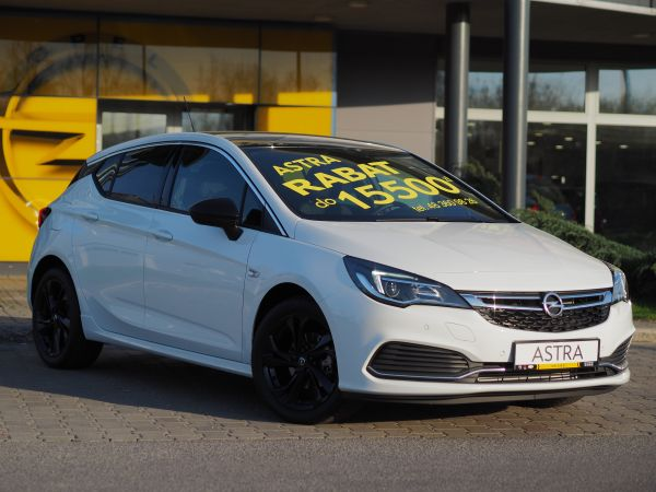Opel Astra Dynamic Black Edition
