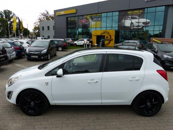 Opel Corsa D 1,2 benzyna 70KM, niski przebieg