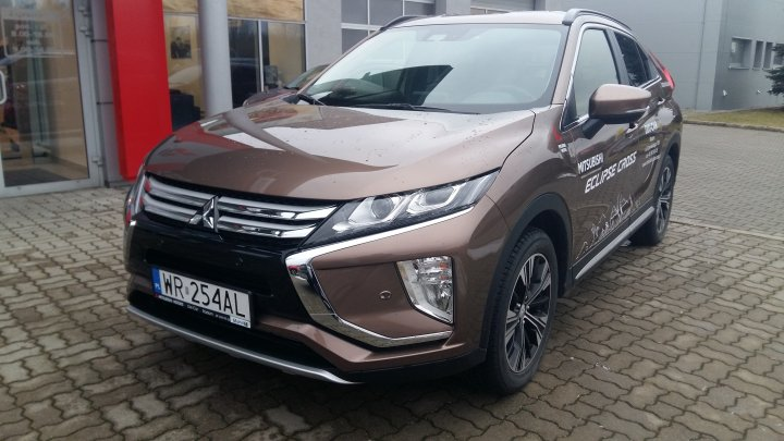 ECLIPSE CROSS INTENSE MT6