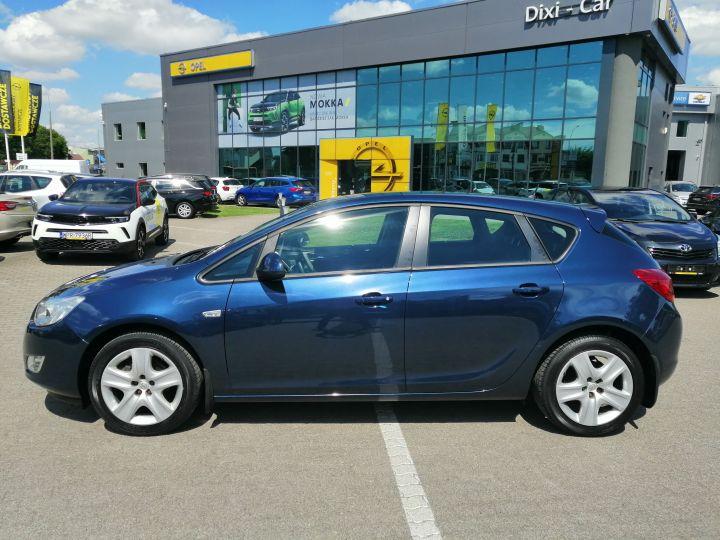 Opel Astra J 1.4 16v 100 KM Fotele AGR Webasto Klima Auto Niski Przebieg Serwis