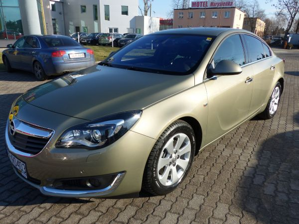INSIGNIA SEDAN EXECUTIVE 2.0 AT6