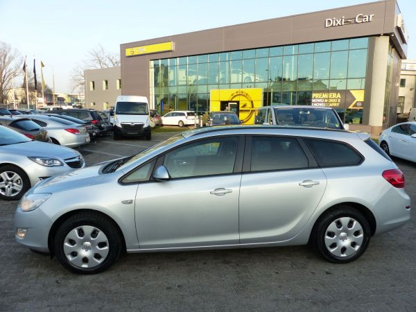 Opel Astra IV Sports Tourer 1,4 140KM