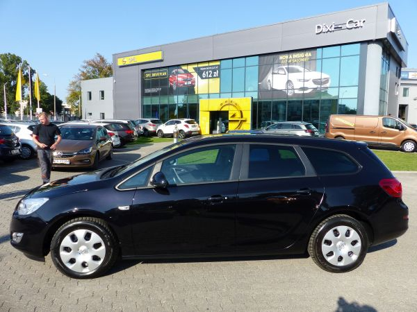 OPEL ASTRA IV SPORTS TOURER 1,4 TURBO 140 KM