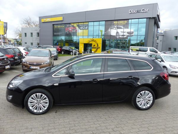 OPEL ASTRA IV COSMO SPORTS TOURER AUTOMAT