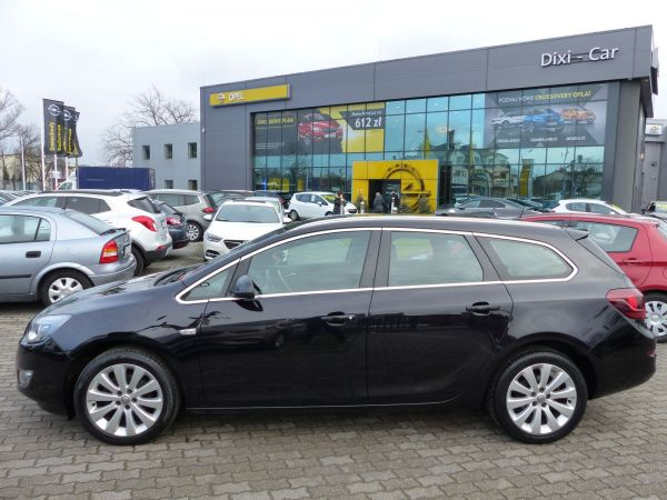 Opel Astra IV Cosmo 1,4 Turbo 140KM Sports Tourer, BiXenon
