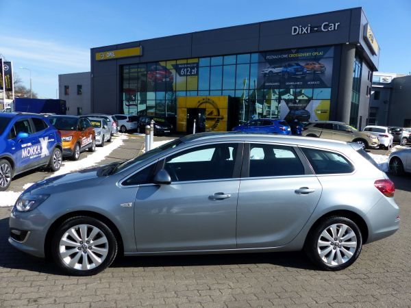 OPEL ASTRA IV COSMO SPORTS TOURER 1,4 T LPG FABRYCZNE