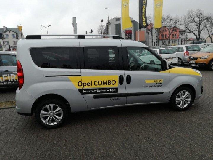 COMBO D TOUR VAN 1.6d MT6 105HP Euro6
