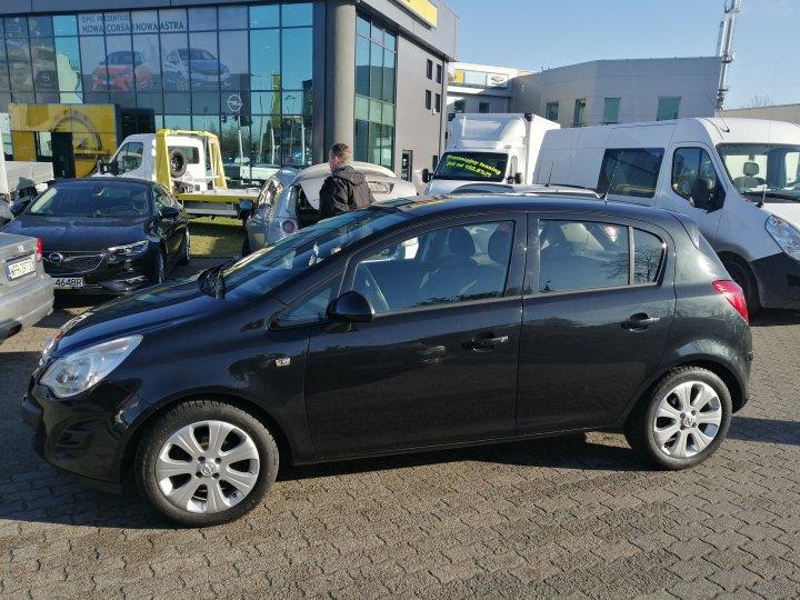 Opel Corsa D 1,4 benzyna 100KM Bardzo Bogate wyposażenie Serwis Gwarancja