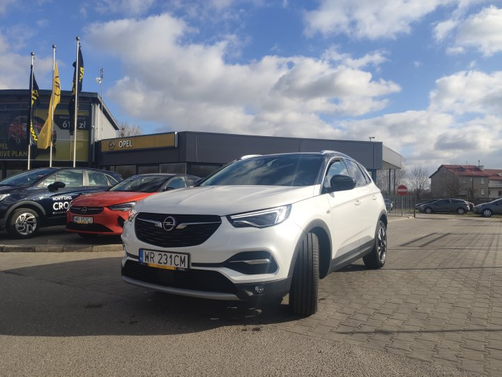 Opel Grandland X 1.6T 180KM AT8