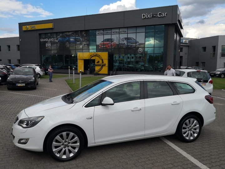 Opel Astra IV Sports Tourer 1,4 Turbo 120KM, Xenon,Cosmo