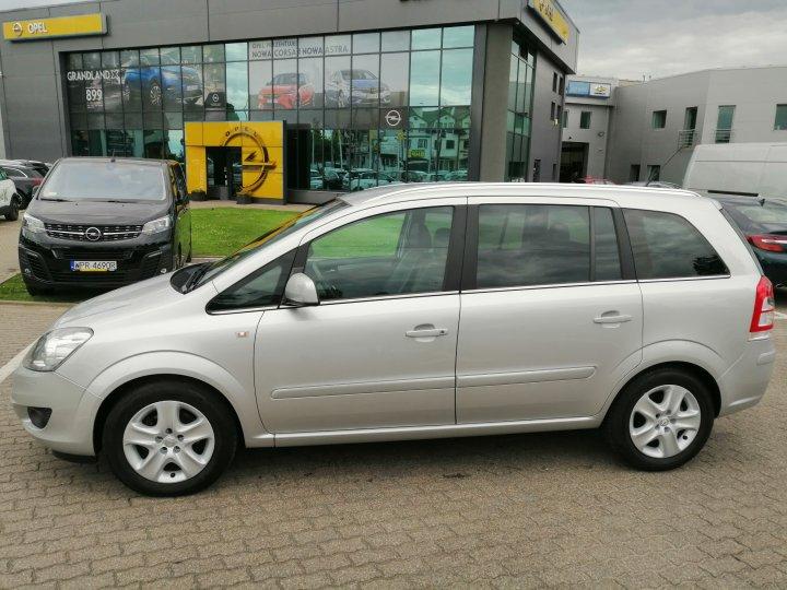 Opel Zafira B 1.8 140KM Skóra Xenon Climatronic Sewis ASO