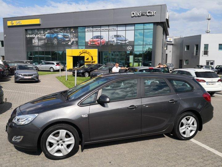 Opel Astra IV Sports Tourer 1,6 benzyna 115KM, Salon, bardzo niski przebieg