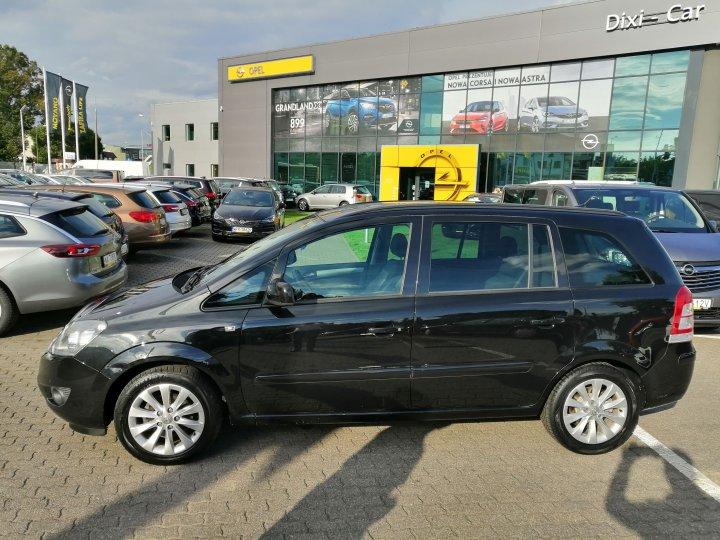 Opel Zafira B 1,8 16V 140 KM Navi Klima Auto Niski Przebieg