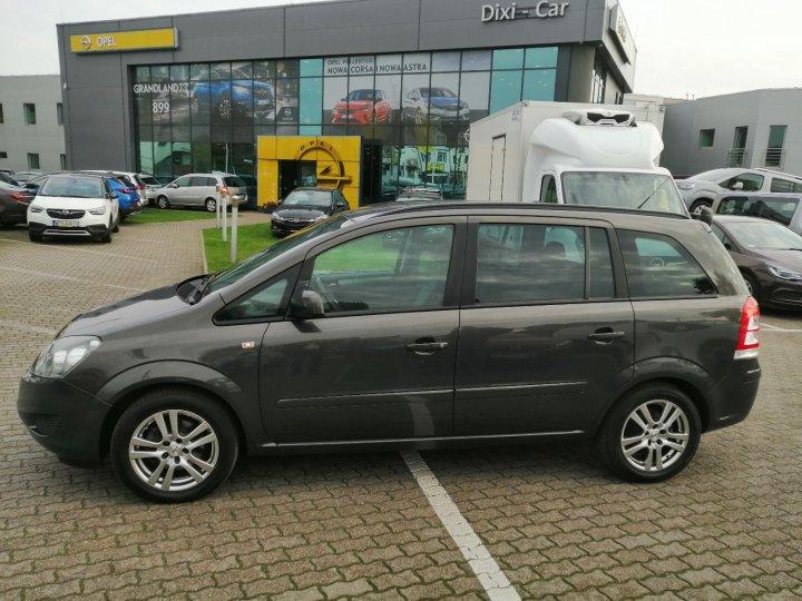 Opel Zafira B 1,8 140KM, 7 osób, pakiet zimowy, niski przebieg