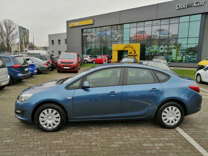 Opel Astra IV 1,6 benzyna 115KM Sedan Salon Polska