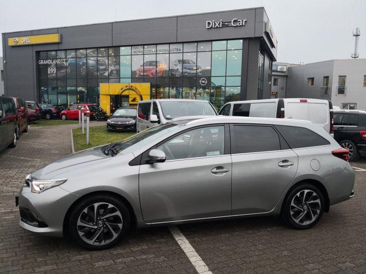 Toyota Auris Kombi 1,6 benzyna 132KM, Salon Polska