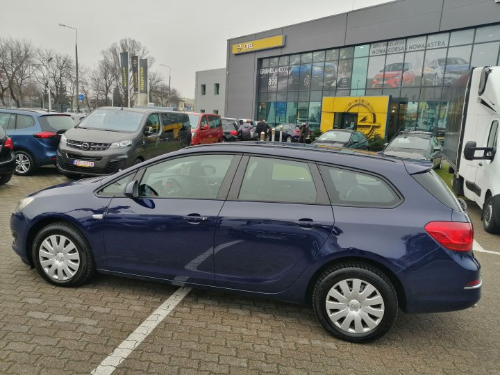 Opel Astra IV Sports Tourer 1,4 Turbo 120KM LIFT