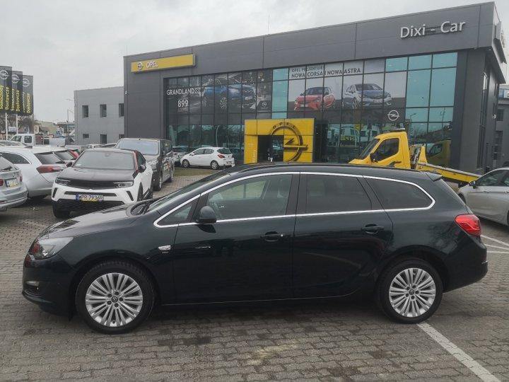 Opel Astra IV 1,6 benzyna 115KM, klima auto, bagażnik rowerowy, pakiet zimowy