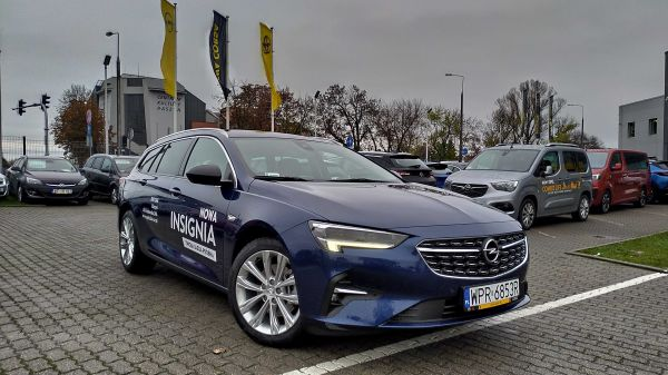 Insignia Sport Tourer Business Elegance F2.0SHT 200KM AT9 Start&Stop