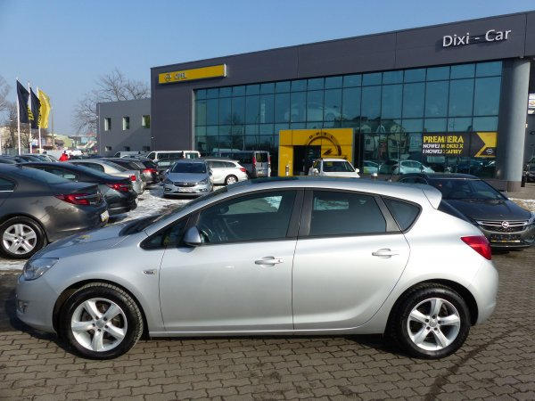 OPEL ASTRA IV 1,4 140 5DR