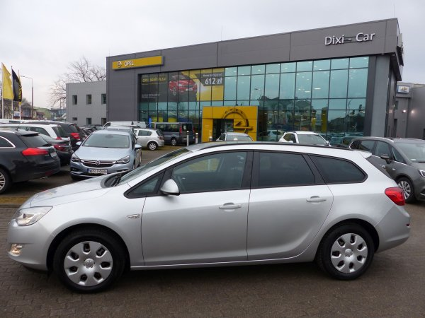 Opel Astra IV Sports Tourer 1,4 T 120 KM