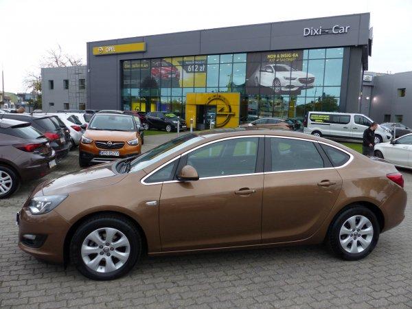Opel Astra IV 4DR 1,4 Turbo 140KM LPG, BiXenon, Navi Vat23%
