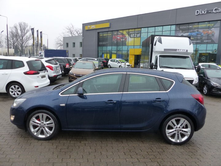 Opel Astra IV Cosmo 1,6 115KM, Automat, BiXenon