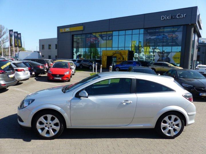 Opel Astra III GTC 1,6 16V 115KM 2009r