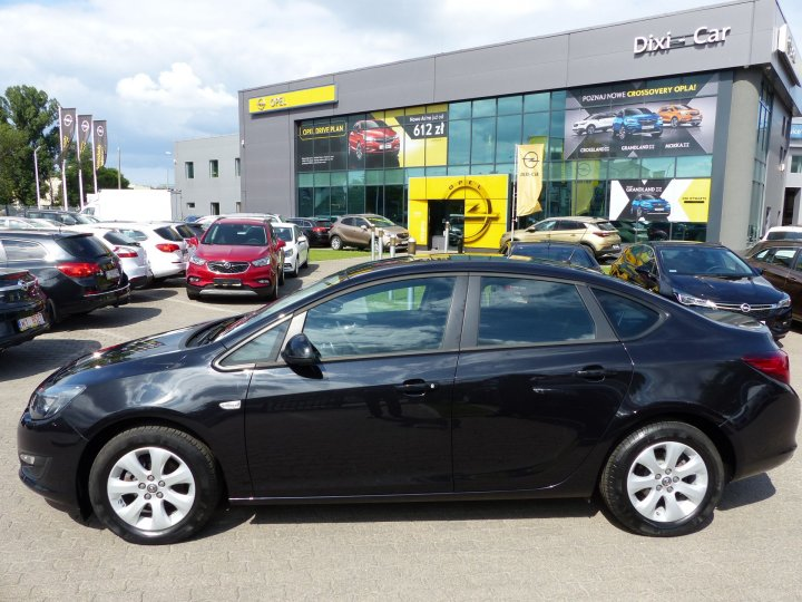 Opel Astra IV Sedan 1,4 Turbo 140KM, LPG, Salon PL, Vat23%