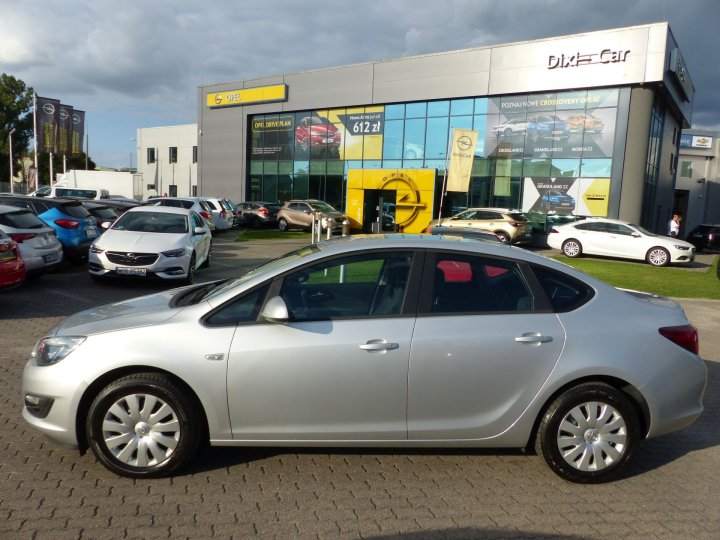Opel Astra IV 1,4 Turbo 140KM, Sedan, Enjoy, 2015r, Vat23%