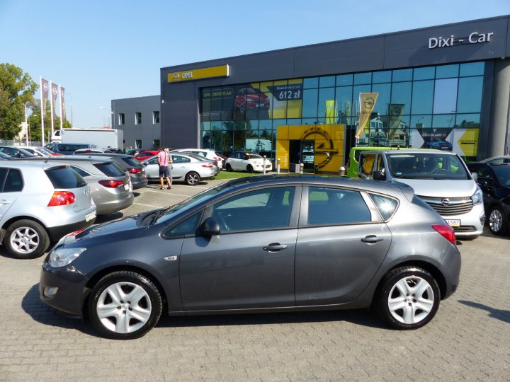 Opel Astra IV 1,4 Turbo 140KM, Hatchback