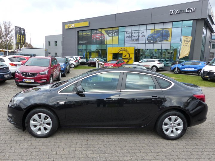 Opel Astra IV 1,4 Turbo 140KM LPG, Sedan, Salon PL, Vat23%