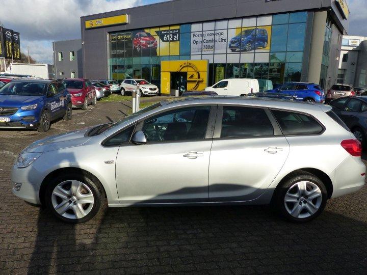 Opel Astra IV 1,4 T 140 KM Sports Tourer Niski Przebieg