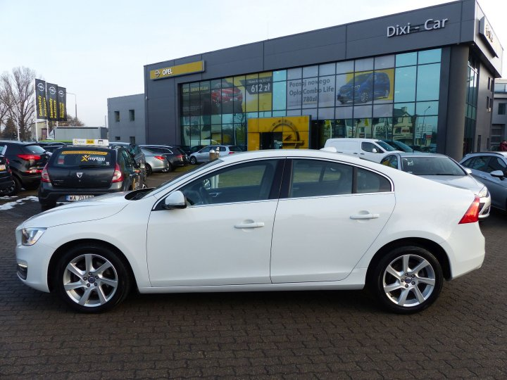 VOLVO S60 MOMENTUM 2.0 D4 AT8