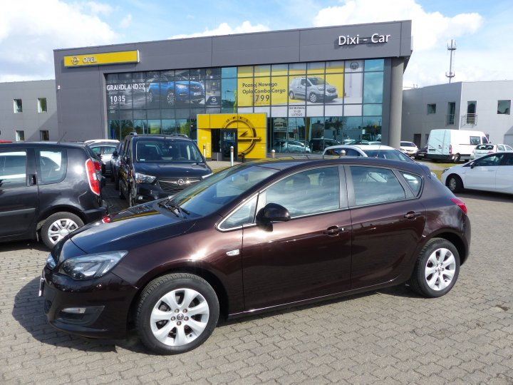 OPEL ASTRA IV 5DR 1,4 140 TURBO SALON