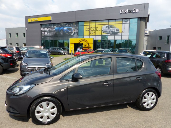 Opel Corsa E 1,4 75KM, Podgrzewane fotele, bluetooth