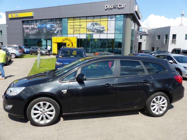Opel Astra IV Sports Tourer, 1,4 Turbo 140KM, 150 Edycja, Automat