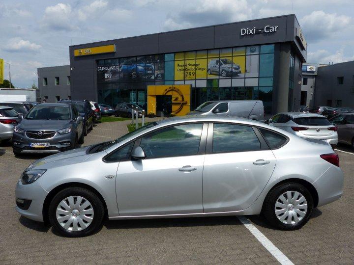 Opel Astra IV Sedan 1,4T 140KM, Salon Polska
