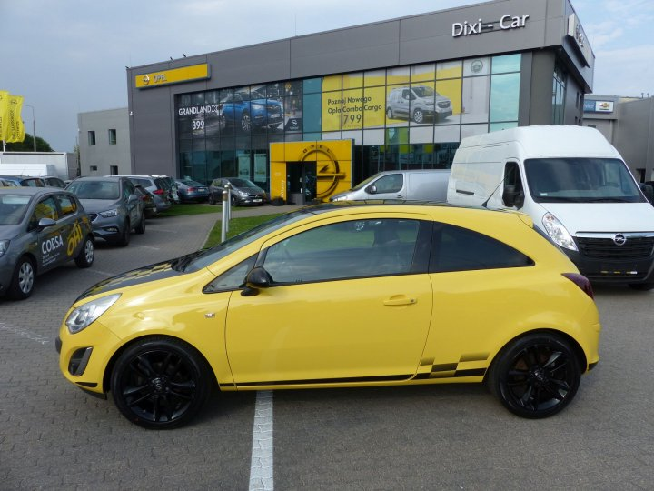 Opel Corsa D Color Edition 1,4 benzyna 90KM, Śliczna
