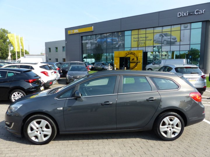 Opel Astra IV Sports Tourer, 1,4 Turbo 140KM, LIFT