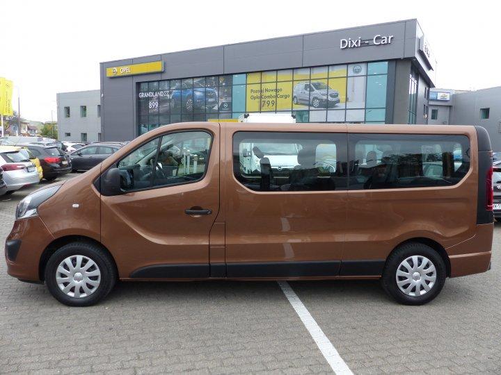 Opel Vivaro L2H1 1.6 cdti 125KM Nawiewy 9 osobowy Salon Polska Gwarancja Vat23%