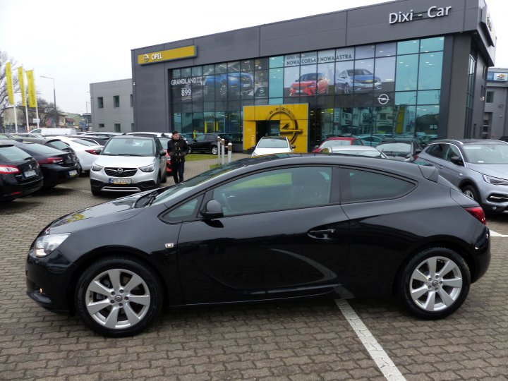 OPEL ASTRA IV GTC 1,4 T