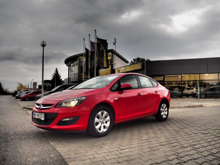 Opel Astra Sedan 1,6 136KM Diesel 6 biegów