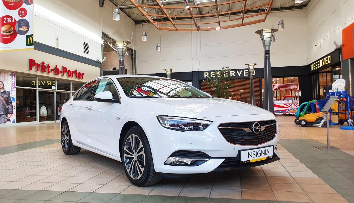 85757f479f Opel Insignia Grand Sport w centrum M1